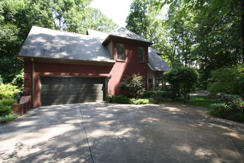 home-in-suwanee-ga-off-smithtown-rd-2