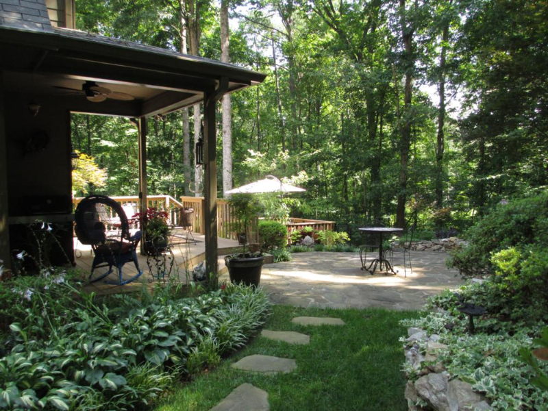 home-in-suwanee-ga-off-smithtown-rd-3